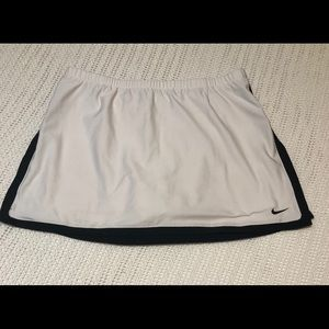 Nike Women's M Tennis/Jogging Skort